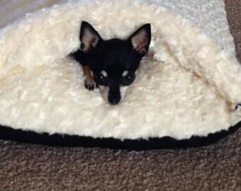 Soft faux fur pet bed Cream