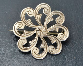 Victorian Antique SOLID SILVER Hand Engraved Swirl / Rosette / Flower BROOCH Pin