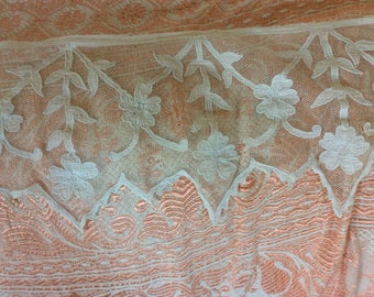 "Antique, Very White Net Lace with Floral Appliques, Long, 8""x68"""