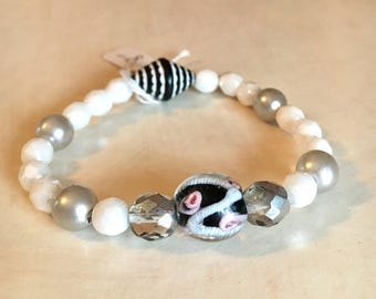 White pearl and glass bead stretch bracelet child size