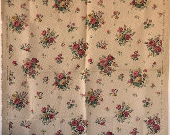 Charming Vintage 1930's French Floral Linen Printed Fabric (8321)