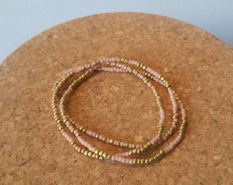 Bracelet chic old rose seed beads and opaque Golden: Golden nude