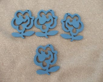 x 4 wooden 47 mm x 40 mm pendant or charm blue flowers