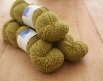 Lime green (Appleton Wiske)Worsted spun 4ply yarn