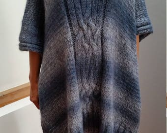 A great poncho made of high-quality yarn for large Turtleneck Alpaca mohair silk silk blue grey