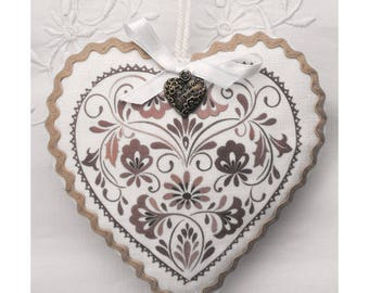 Transfer decorated heart shaped door white linen cushion