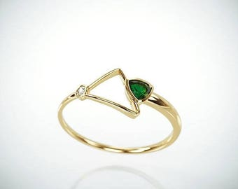 SALE! 14k Gold Emerald Ring | Handmade Solid 14k gold promise ring set with 0.20ct  trillion cut natural Emerald and a brillinat diamond