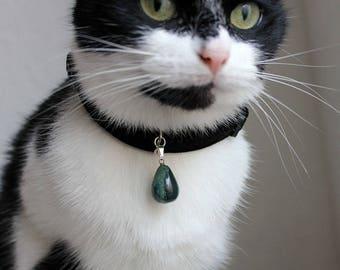 Black velvet cat collar with gemstone, fancy green jasper cat pendant, cat collar with teardrop gemstone, safety collar , brakaway collar