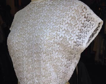 1950s white lace cap sleeve blouse