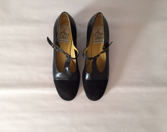 Joan&David leather mary janes // black leather and suede heels // T bar stacked heels // size 8.5