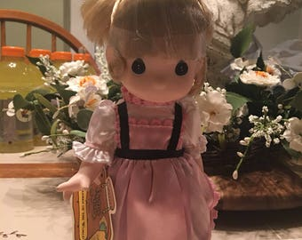 Children of the World precious moment doll Sweden