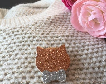 """Elegant cat"" gold pin"