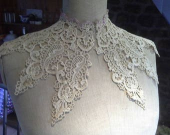Impressive Antique French Hand Crocheted Collar