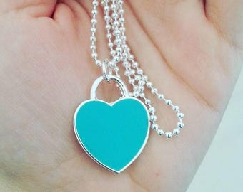 Necklace with pendant to tiffany green heart shape