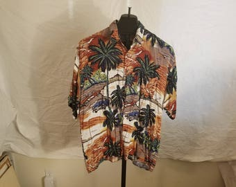 Vintage 1980-90s Mens Size XL Monticerutti Button Down Short Sleeve Corvette And Thunderbird Theme Hawiian Shirt With Palm Trees, Susnet EUC