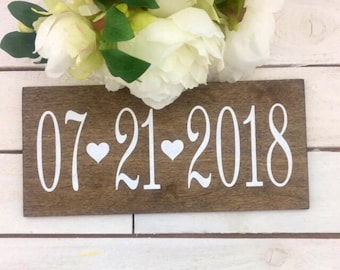 "Engagement Date Photography Prop-Wedding Date Sign-12""x 5.5"" Rustic Wedding Date And Heart Sign-Photography Wedding Date Sign"