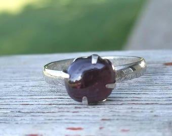 GARNET in Vintage ring