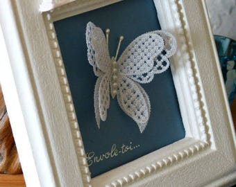 "Painting ""Fly away Butterfly"", made of paper or ""pergamano"" lace"