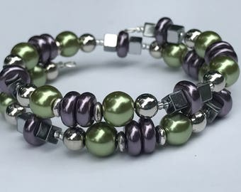 Grapevine Glass Pearl Memory Wire Bracelet