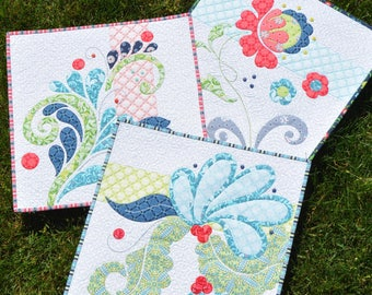 Flourishes Pattern by Amanda Murphycoordinating appliqué mini Quilts or pillows pattern