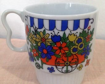 Vintage Stacking Coffee Mug with Retro Flower Cart Made in Japan