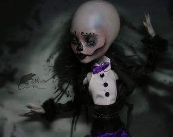 Monster High repaint doll by Dokta Art free shipping monster high ooak