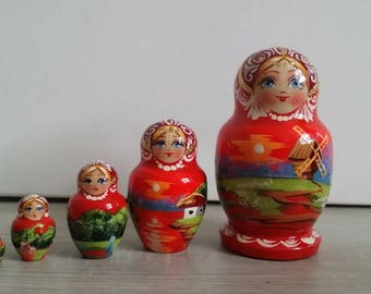 Very cute matryoshka nesting doll 5 PCs