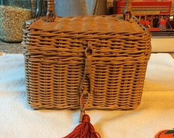 Wicker basket with tassel