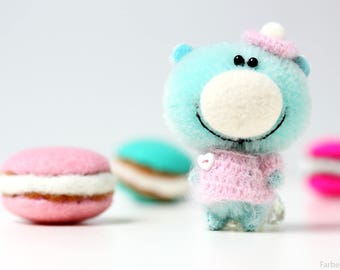 Mr. Macaron - Miniature teddy bear - 5.7 cm - Blythe friend - tiny mint bear