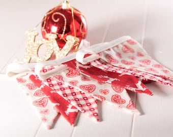 Mini Red patterned Christmas Bunting, vartiey of fabrics and xmas patterns. great Christmas gift for friends or family, hanging garland