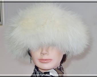 Rare fluffy cream fox fur hat with Persian lamb fur top -L - Beau chapeau de renard avec dessus en mouton de Perse noir. G.