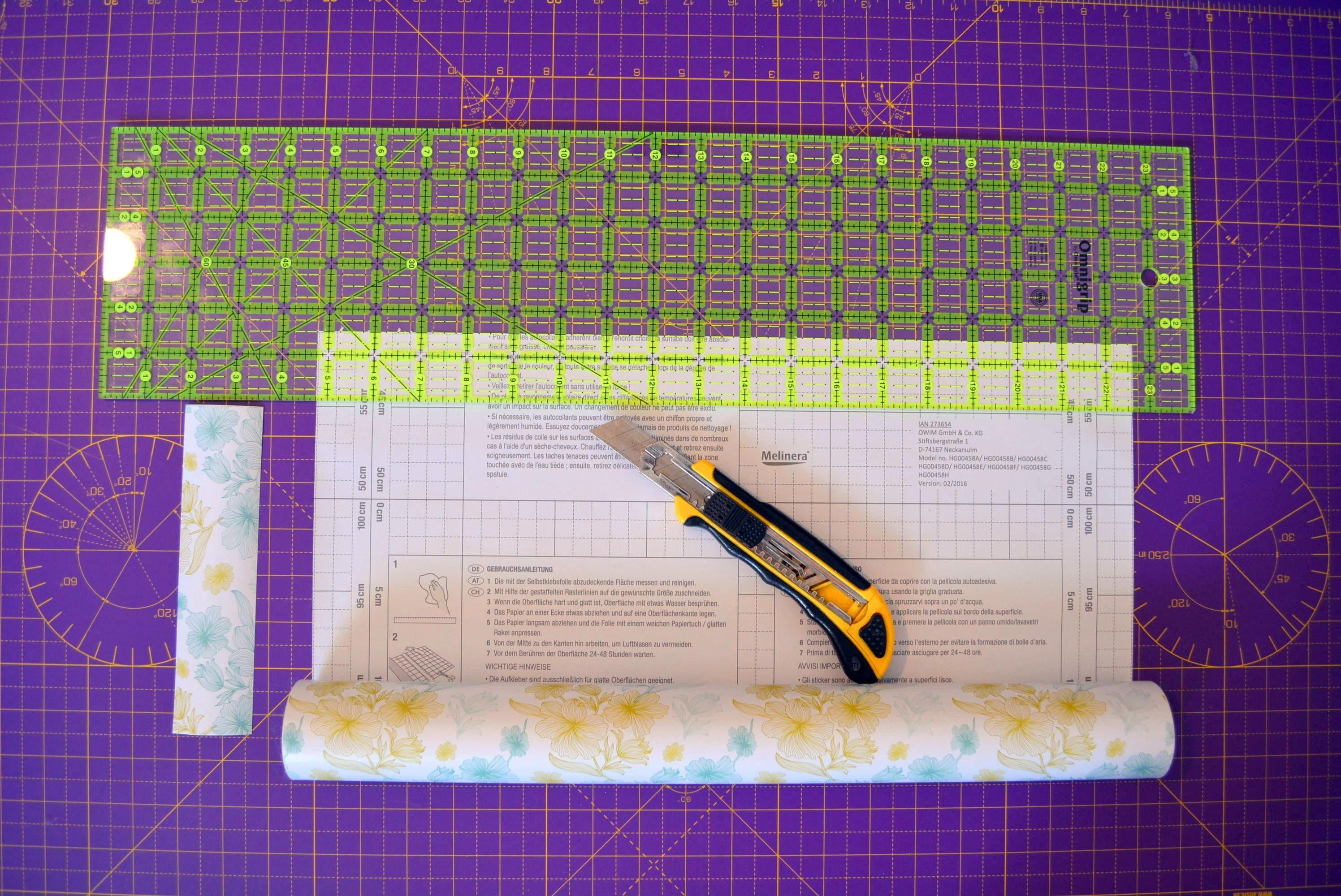 Cutting decorative strips