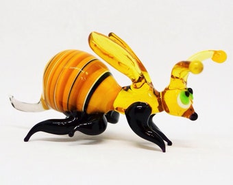 Glass bee figurines collectible bee miniature yellow glass bee figure bee sculpture collectible bumble bee artglass insect