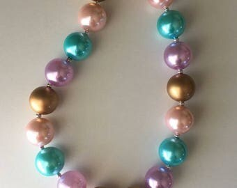 Unicorn bubblegum necklace