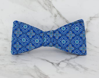 Handmade Men's Floral Geometric Tiles Bow Tie with adjustable strap / 100% cotton / Wedding Bow Tie / Gifts for men / Gifts for him