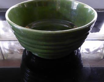 Vintage California Pottery (USA) Ringware Mixing Bowl - Avocado Green