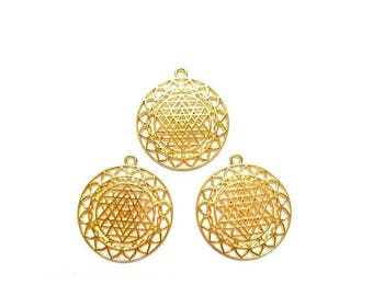 3 pendants Sri Yantra Meditation hollow gold