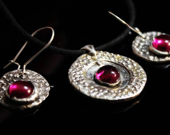 Clearance (60%)  fine silver silver set with ruby, gift for her, antique look, handmade gift, designer jewelry set- 10g (BLK008))