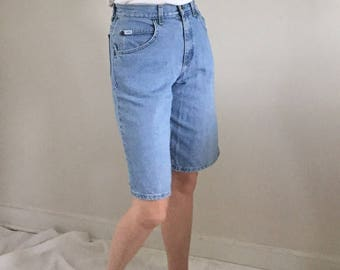 Vintage High Waisted Lee Jean Shorts / Light Wash Denim Bermuda Shorts