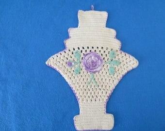 Beautiful Vintage Lavender Edged Flower Basket Pot Holder