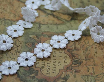 Vintage White Solubility Embroidery Flower Lace Trim 0.98 Inches Wide 1 Yards/ Craft Supplies, WL858
