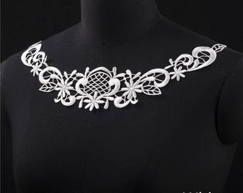 2 PCs White Embroidery Hollow Flower Lace Applique DIY Collar   Appliques Patch   Clothing Accessories, WL551