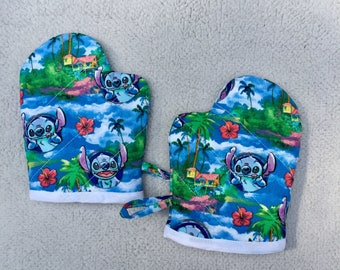 Stitch Child/Small Oven Mitts