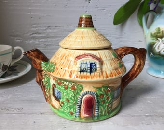 Japanese Cottage Teapot, single serve, thatched cottage, made in japan