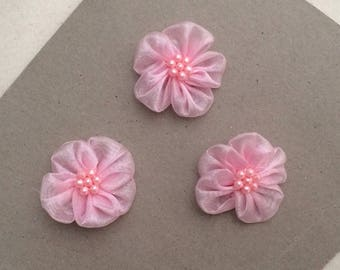 3 centimeters in diameter rigid rose flower