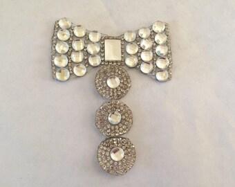Rhinestone Crystal bow fusible 9 * 6 cm silver