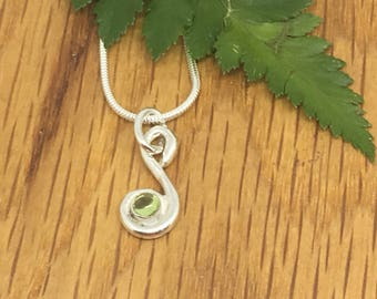 Pretty silver swirl necklace with peridot, peridot necklace, swirl with peridot, silver, charm, August birthday, Peridot, green necklace