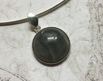 Semi-rigid necklace silver Sterling and demi-precieuse LABRADORITE stone.