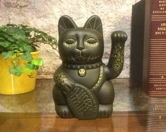 Maneki Neko / Lucky Cat / Waving Cat in 2 Sizes – Olive/Gold Day of the Dead