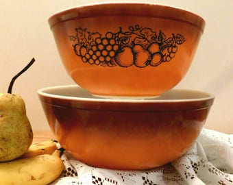 PYREX  Old Orchard Pattern 1974 mixing bowls SHIPPING INCLUDED